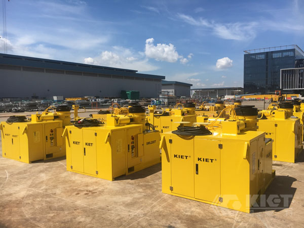 Successful Delivery and Service of 8 Sets of Fully Automatic 3D Adjustment Hydraulic Equipment Ordered by Singapore SembCorp Marine
