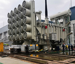 Synchronous pushing hydraulic system used in the world's first UHV multi-stage hybrid DC transmission project
